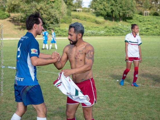 Joueurs de football ayant le sexe gay